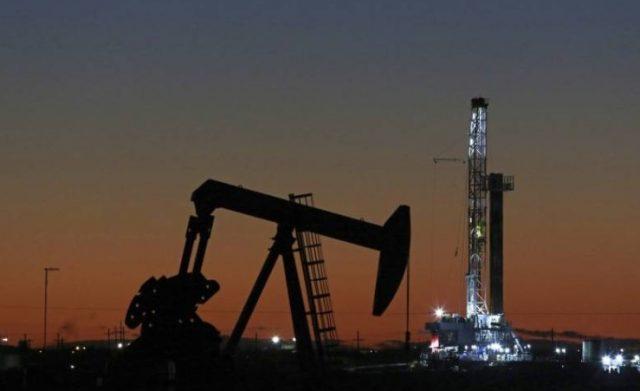 BahrainNOW.net |أسعار النفط ترتفع بأكثر من 1% إثر تراجع مخزونات نواتج التقطير الأمريكية