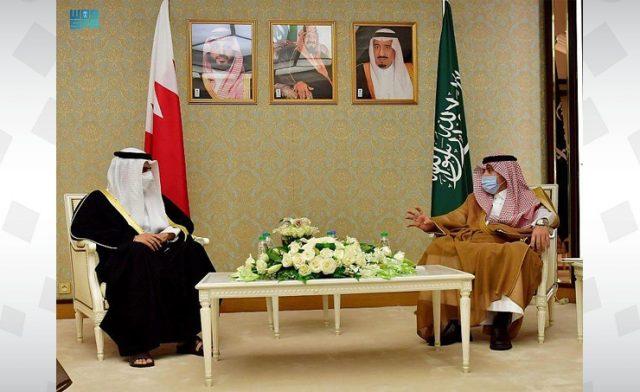 BahrainNOW.net | وزير الإعلام يلتقي نظيره السعودي ويؤكد أن المواقف على مدى التاريخ تثبت أن الوطن واحد والشعب واحد