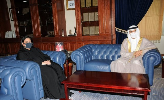 BahrainNOW.net | وزير التربية والتعليم يستقبل نائب رئيس مجلس الأمناء الأمين العام لمجلس التعليم العالي