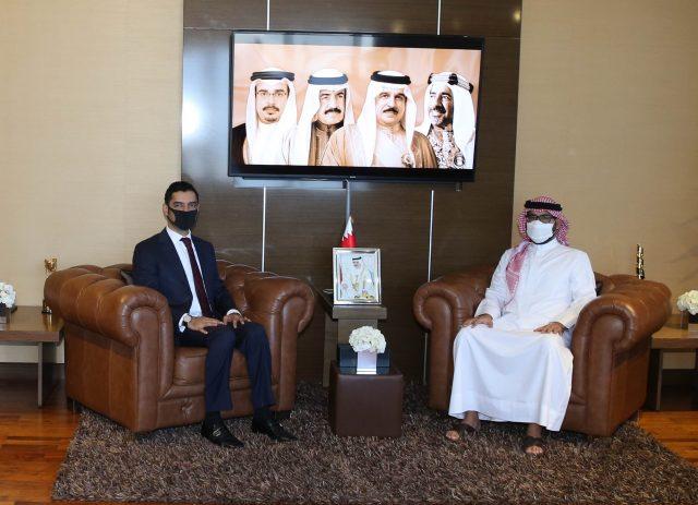 BahrainNOW.net | المؤيد والمبارك يبحثان مستجدات تنفيذ استراتيجية التعليم ما بعد المدرسي